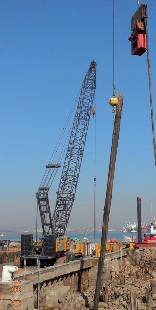 Steffanutti Stocks Marine puts its Kobelco cranes to work